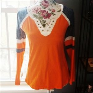 Tops - V neck shirt